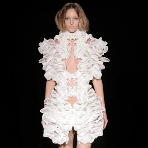 London architect Daniel Widrig has collaborated with fashion designer Iris van Herpen and digital manufacturers .MGX by Materialise to create a collection of digitally printed clothing. via dezeen.com