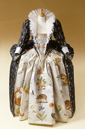 Paper Gown by Isabelle De Borchgrave